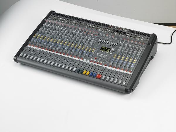 Dynacord-PM-2200-lEFT